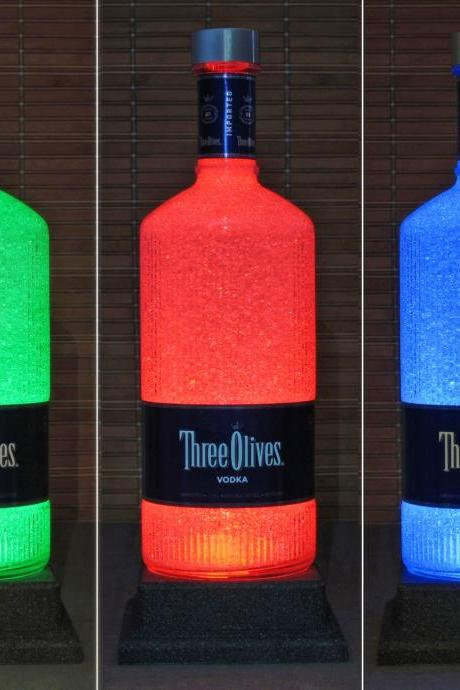 Three Olives English Vodka 1.75 Liter LED Color Change Bottle Lamp Remote Bar Light Man Cave