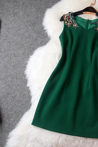 Luxury And Elegant Diamond Sleeveless Dress - Green