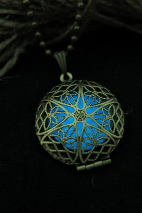 Free Shipping Glow in the dark Blue necklace,glow pendant necklace,Party necklace,wedding necklace