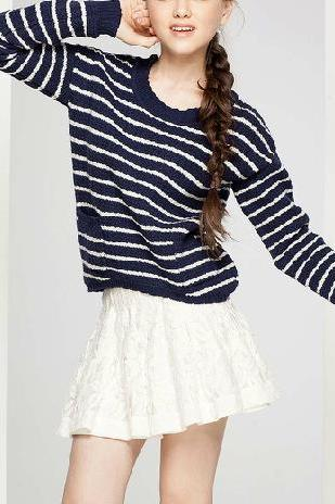 New fall cute striped long-sleeved round neck sweater bottoming
