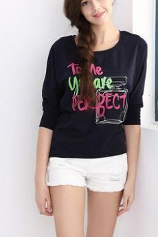 The new solid color bright letters Slim Sleeve T shirt