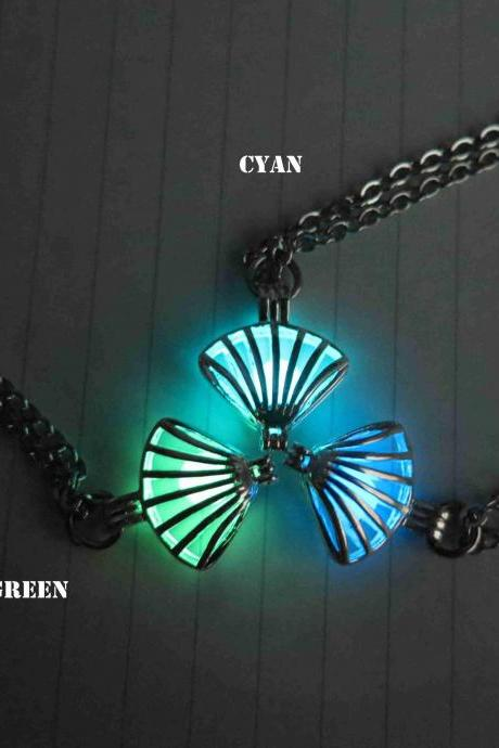 Free shipping glow in the dark,Cyan Luminous shell necklace, Glow in the dark Pendant Necklace