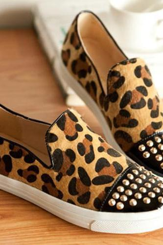 Women's Leopard Print Flat Shoes With Rivets Detail