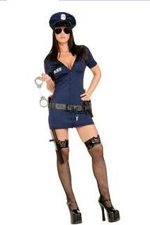 Halloween games to serve in the officers / police uniform temptation Halloween Costume