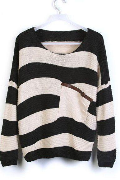 Loose Black Striped Sweater With Pocket
