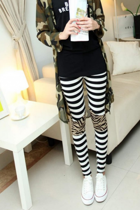 In the autumn of 2015 new slim leopard print black and white vertical stripes splicing nine Leggings