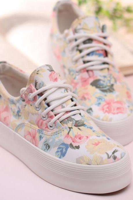 Women's Floral Print Thick Soled Canvas Sneaker
