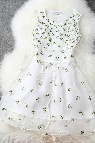 Slim Spring And Summer Floral Embroidery Princess Dress
