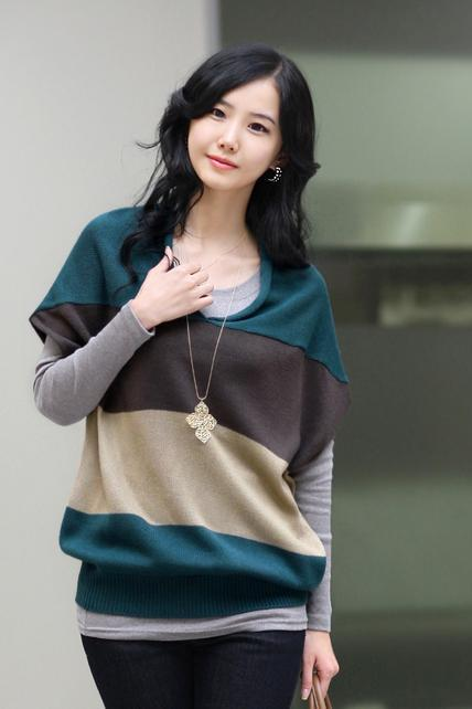 Fashion V Neck Dolman Sleeve Color Matching Sweaters