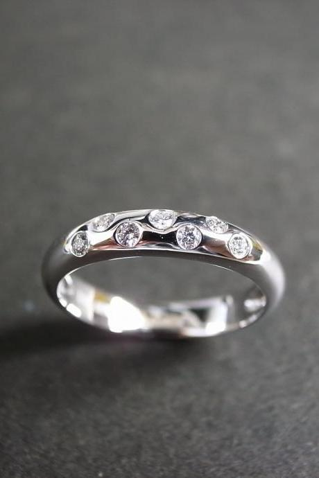 Diamond Wedding Ring in 18K White Gold