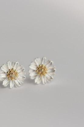 925 Sterling silver earrings golden white daisy cute elegant ear stud ear nail