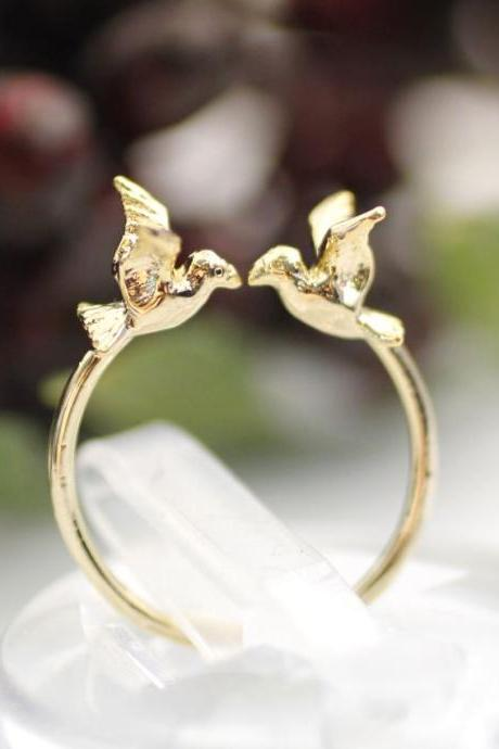 Tiny Twin Bird sparrow adjustable ring in gold