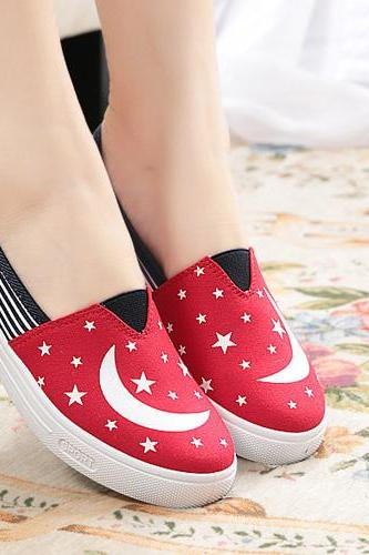 Casual Stars&Moon Print Contrast Color Slip-On Canvas Shoes