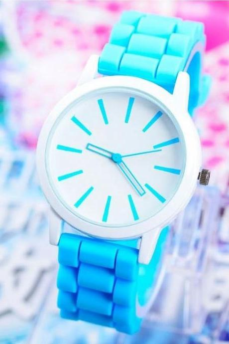 Rubber trendy teenage girl watch