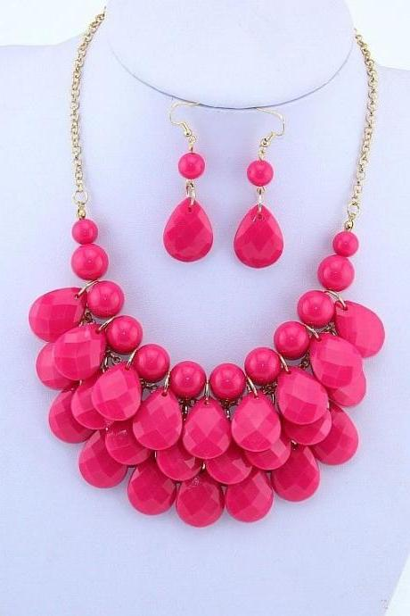 Statement beads choker woman necklace