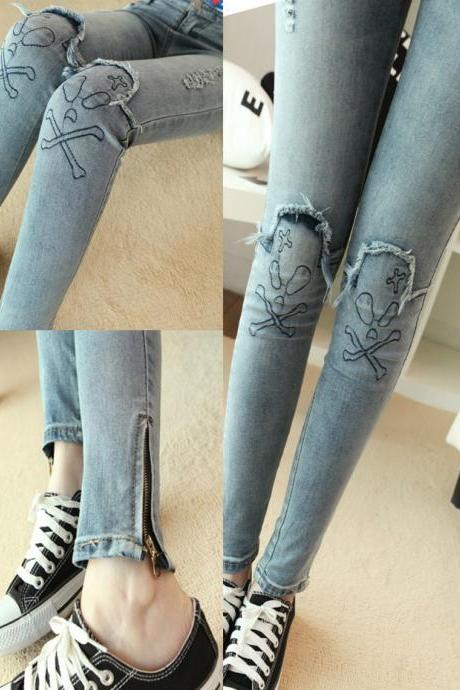 Skull Knee Zipper Cuffs Ripped Skinny Jeans