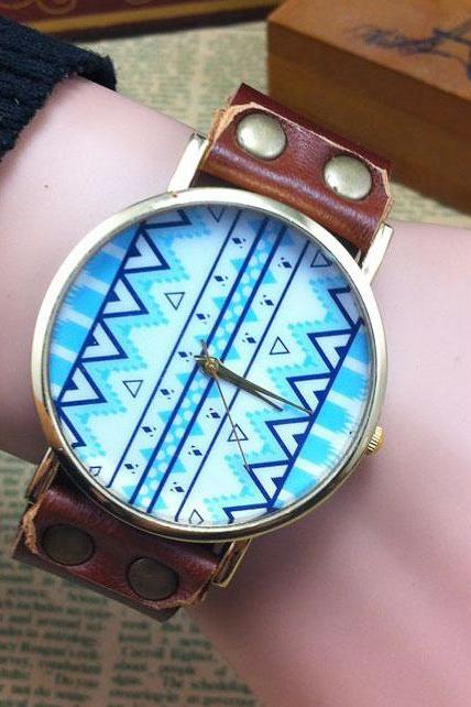 Fashion Green Geometric Totem Retro Watch