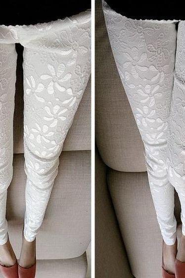 Elegant Floral Lace Detail Leggings