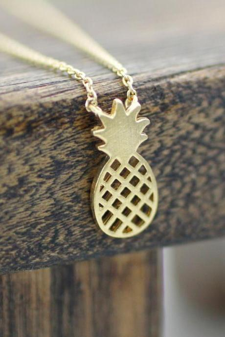 Cute Pineapple pendant necklaces in Gold