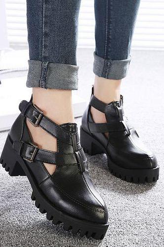 Retro Style Chunky Heel Black Shoes