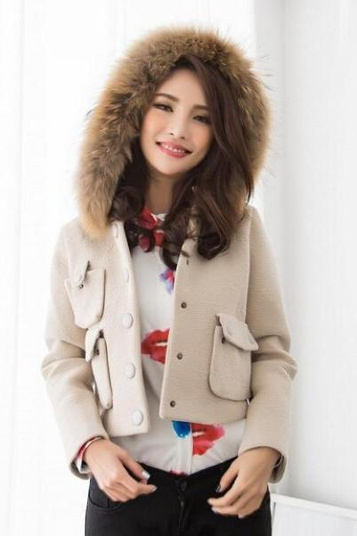 Hooded Faux Fur Design Short Winter Coat in Beige