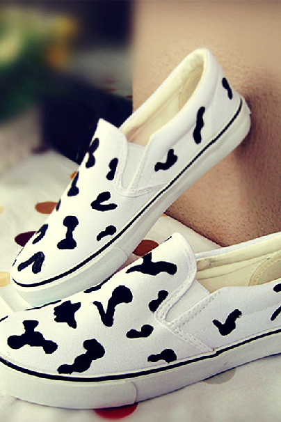 Autumn fashion casual shoes painted cow lines