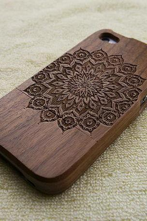 Wood iPhone 4S case, iPhone 4 case, wood iPhone 4 case, mandala iPhone 4S case, floral iPhone 4 case, wooden iPhone case