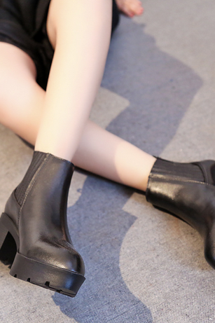 The new boots high heeled thick with Martin boots female short boots