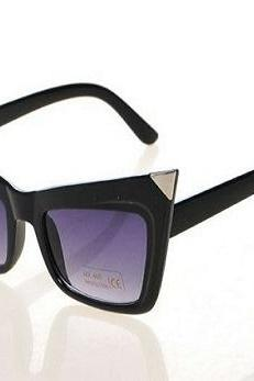 Black cat woman cat eye sunglasses