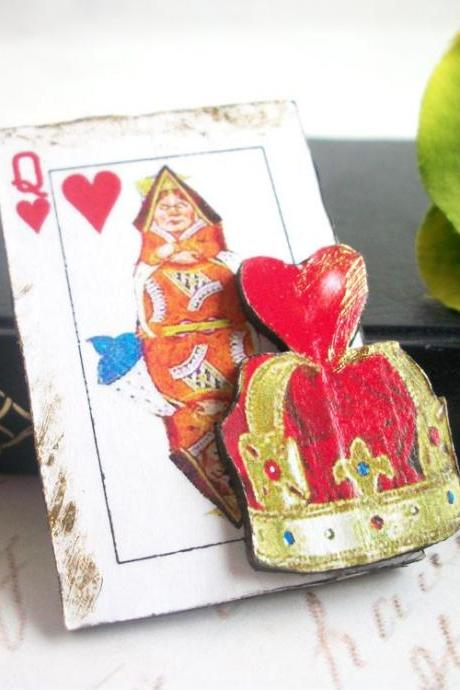 Queen of Hearts, Alice In Wonderland, Tea Party, Drink Me, Wooden Brooch Alice In Wonderland
