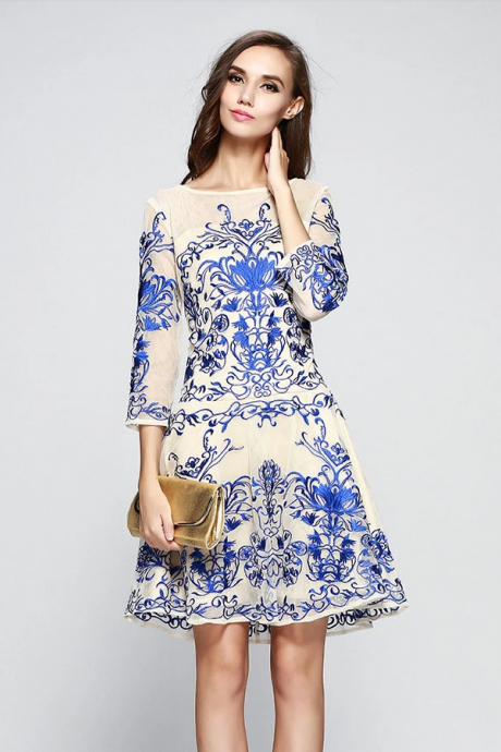 Autumn New High-End Embroidery Embroidery Waist Large Size Women Noble Autumn Dress Dress