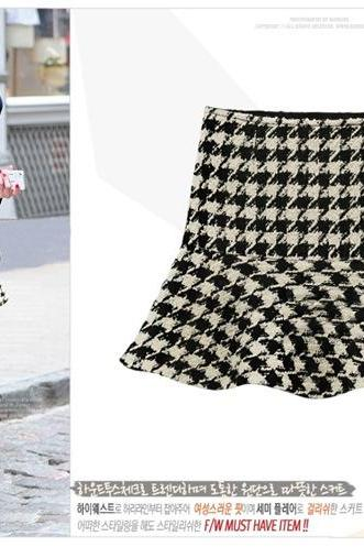 Geometric Pattern Ruffles Wool Skirt