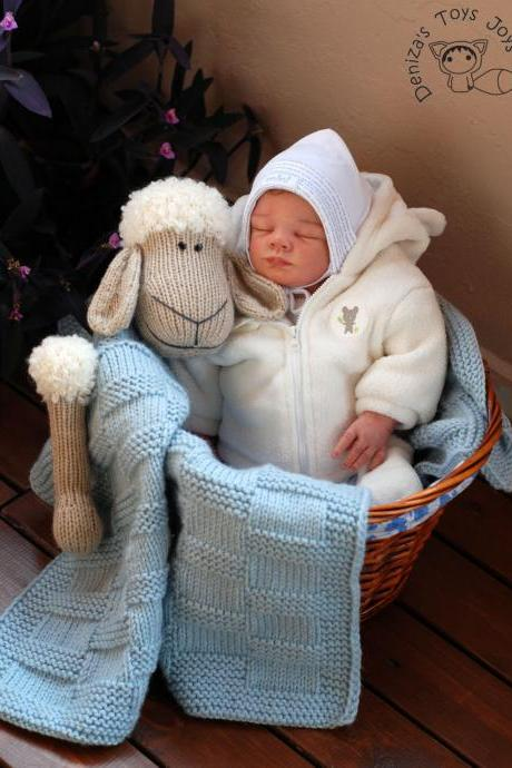Pastel light greenBaby Sheep Toy Blanket. Hand Knit Blanket.Children,baby gift.