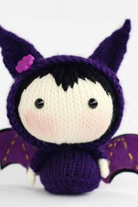 Violet Bat Doll. Toy from the Tanoshi series. Halloween doll. Halloween decoration.