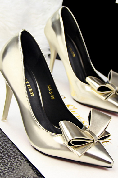 Pointed Toe Metallic High Heel Pumps with Ribbon