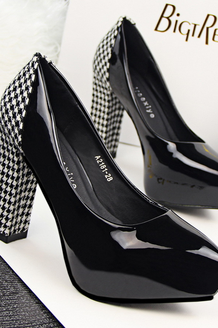 Glossy Pointed-Toe Pumps with Houndstooth Chunky Heels