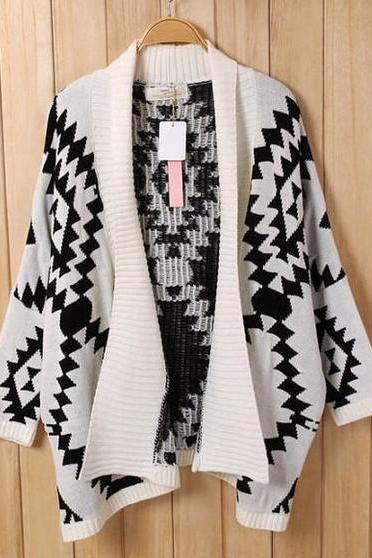 Aztec Boho Printed Oversized Knitted Cardigan - Black / White