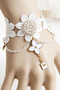 The bridesmaids wrist flower lace tassels of Pearl Bracelet bride wedding clover Bracelet Wristlet female