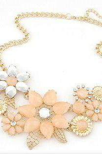 Floral statement fashion girl necklace