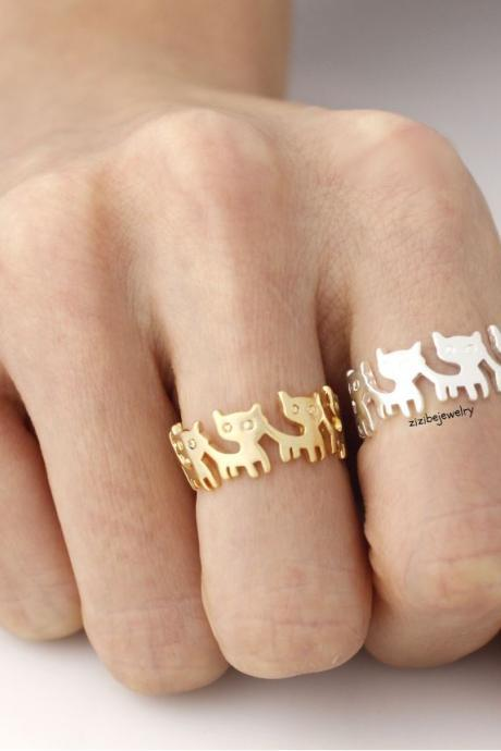 Cute cat Family in Row Band Ring in silver/ gold, S0338S