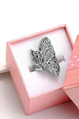 Korean version of the butterfly diamond Weijie two finger ring