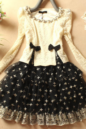Slim long-sleeved lace stitching leave two princess dress Puff