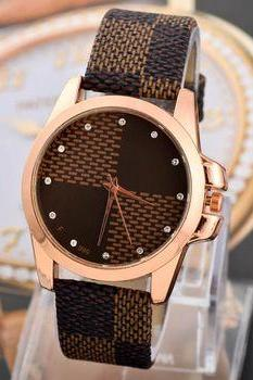 Leather strap fashion teenage unisex watch
