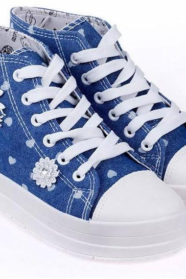 Heart-Shaped Canvas Shoes