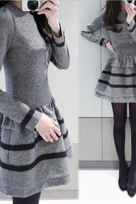 Posed female dress lace collar thickening dress with long sleeves