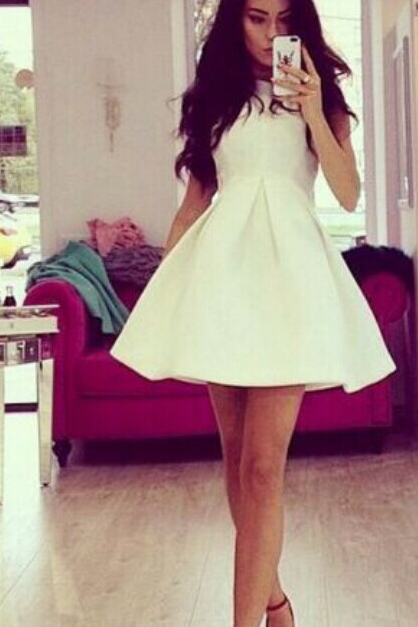 HOT CUTE WHITE FASHION DRESS