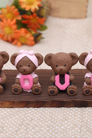 Love Tactic bear ornaments resin creative gifts of love