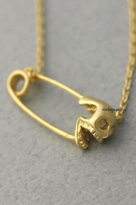 Skull Safety Pin charm pendant necklace in gold / silver, N0376G