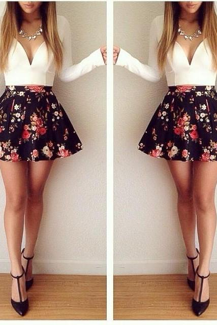 Long-Sleeved Low-Cut Floral Mini Dress JH01