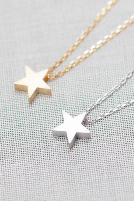 Tiny Star Pendant Necklace In Gold